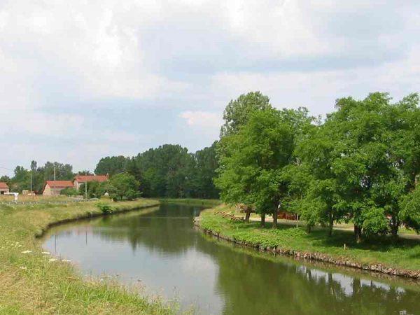 le canal de Roanne à Digoin