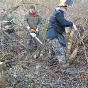 Opération de débroussaillage par l'AAPPMA de Moulins à la Boire de la Vermillère